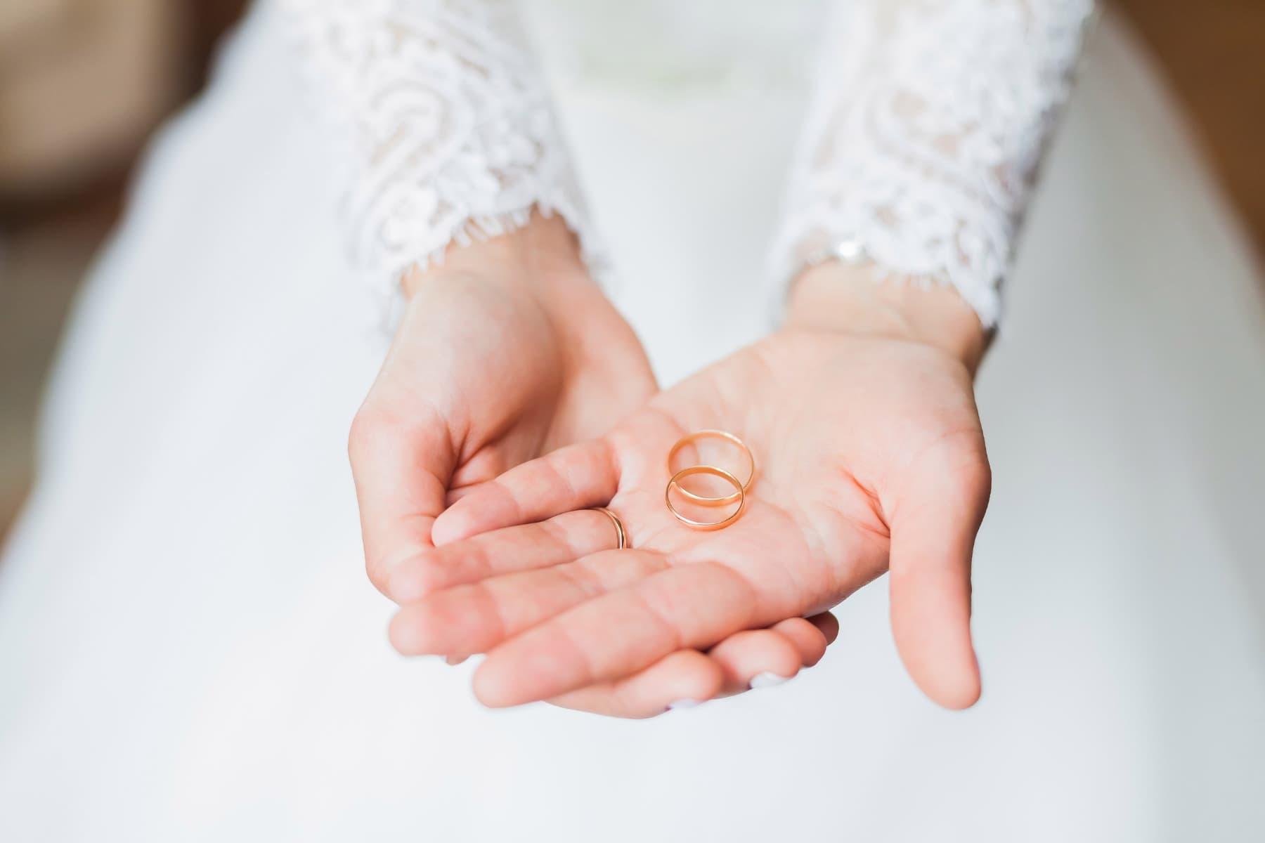 Verlobung am Valentinstag? Nicht ohne einen Ring!